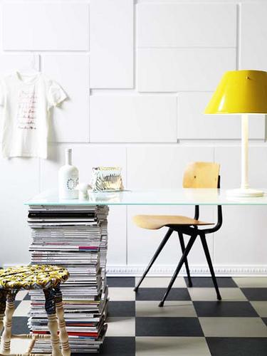 el sofa amarillo decorar con revistas (1)
