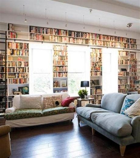 el sofá amarillo estanterías grandes (5)