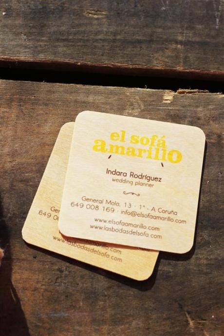 el sofa amarillo tarjetas de madera (3)